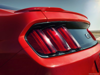 Ford-Mustang_GT_2015_800x600_wallpaper_42.jpg