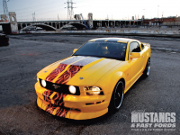 mmfp_0906_08_z+2005_ford_mustang_gt_s197+front_view.jpg
