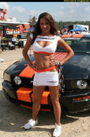 pics-max-9910-342503-hankook-tire-girl-ford-mustang.jpg