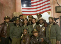 Lucas-salutes-Tuskegee-Airmen-with-Red-Tails-K9PVH7L-x-large.jpg
