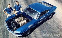 mdmp_100200_boss_21+ford_boss_mustang+butch_leal_and_mickey_in_1969.jpg